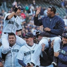 Mariners Win 225