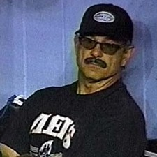 Bobby Valentine Disguise2 225